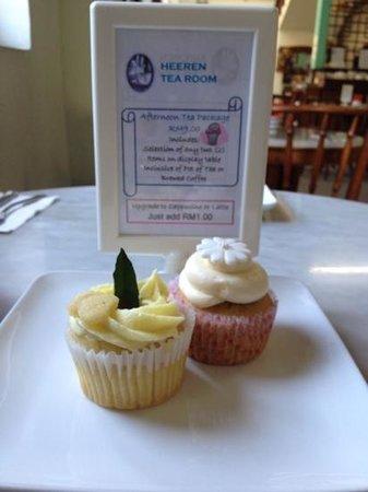 Heeren Tea Room: Cup cakes