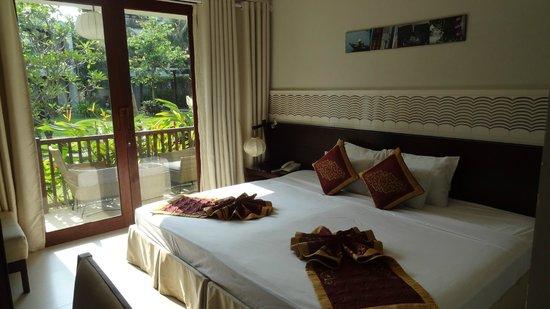 Vinh Hung Emerald Resort: Chambre rdc vue piscine