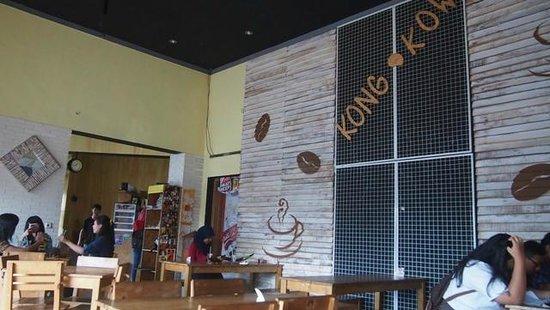 Kong-kow cafe