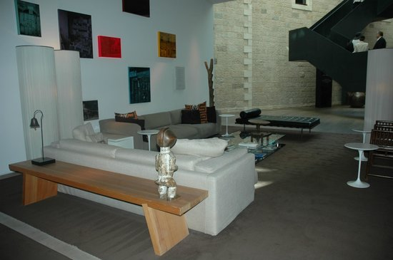 Mamilla Hotel: Comfortable conversational area downstairs