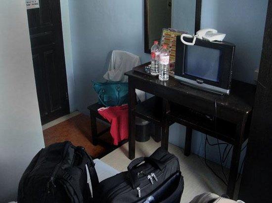 Sampaguita Suites-Plaza Garcia Location: 13 inch tv didn't work