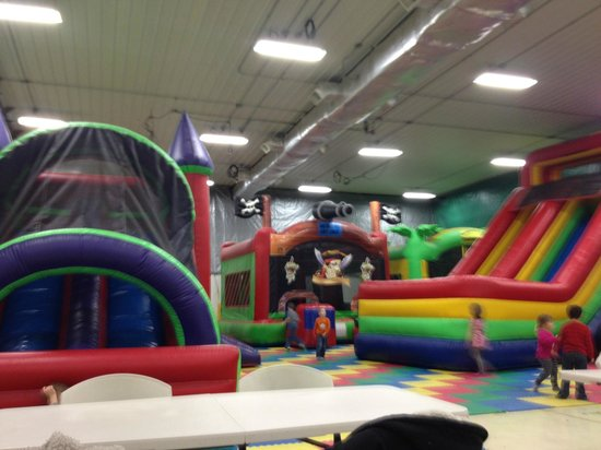 Bremen, IN: Bounce houses