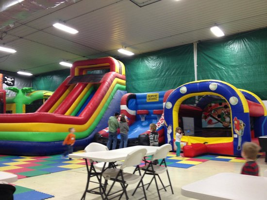 Bremen, IN : Bounce houses