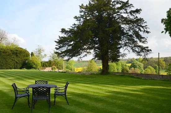 The Old Vicarage: infinity back garden!