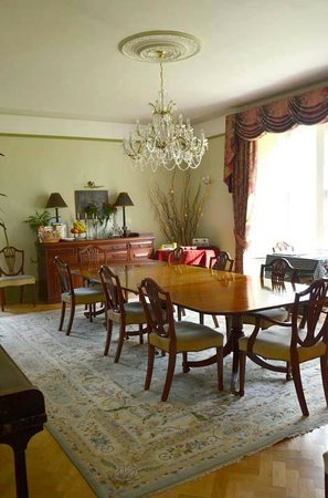 The Old Vicarage: dining room
