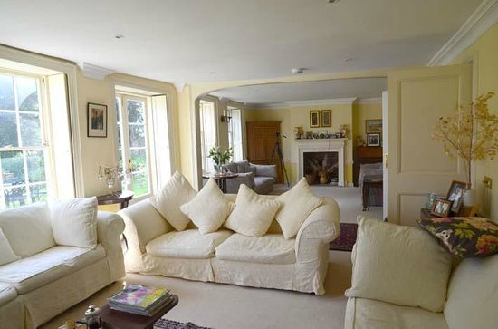 The Old Vicarage : lovely lounge to relax in