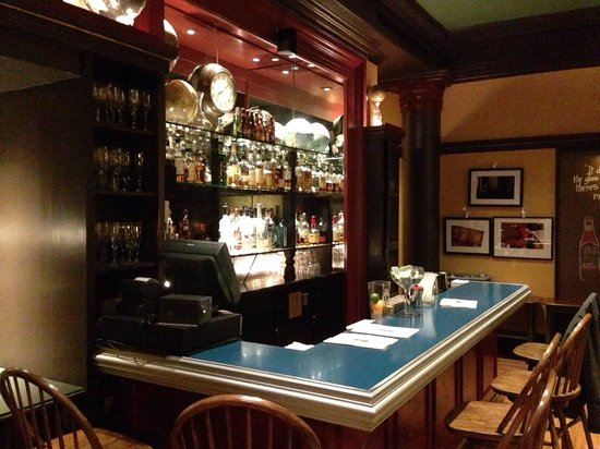 Hotel Rex, a Joie de Vivre hotel: The Bar in the Library
