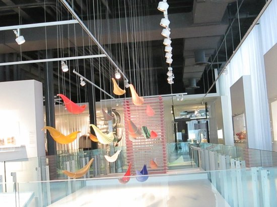 Corning Museum of Glass: Corning Art Museum Display