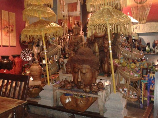 Deco in Ole Ole Bali Sunway Pyramid branch
