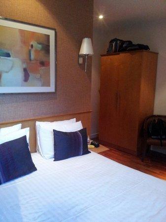 The Coachman Hotel & Restaurant: Room 8