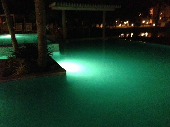 Wyndham Garden at Palmas del Mar: The Pool at night, looks amazing