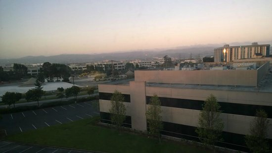 Hilton Garden Inn San Francisco Airport / Burlingame : View