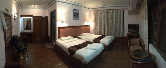 Potala Guest House: The room is spacious and clean