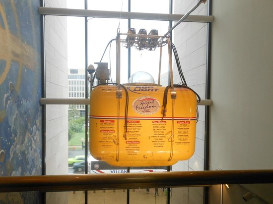 Museo Nacional del Aire y el Espacio: Balloon