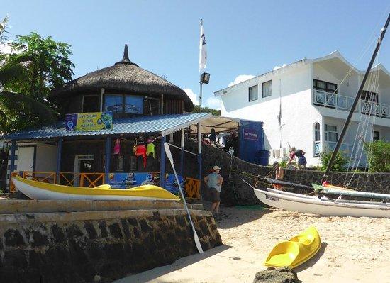 Mont Choisy Coral Azur Beach Resort : le centre de plongée