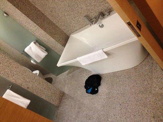 Le Meridien Singapore, Sentosa: Bathroom