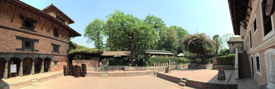 Plaza Central Durbar: There's a restaurant at the rear courtyard
