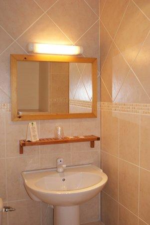 Hotel Jaures: salle de bain