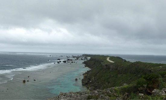 Higashi Hennazaki Lighthouse : 涙雨が時折降ります