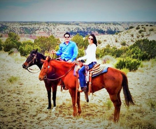 Cowgirls and Cowboys in the West: Saddle up pardna!