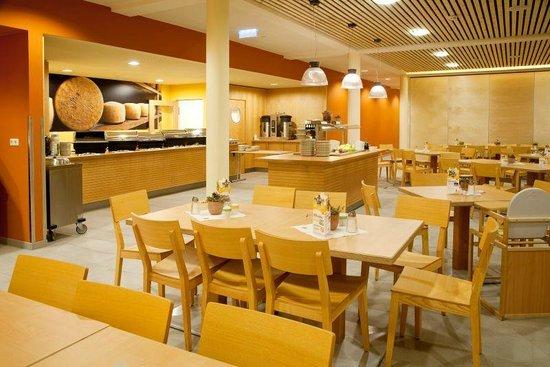 JUFA Hotel Montafon: Breakfast romm + Restaurant