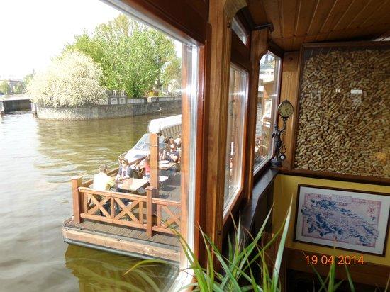 Boat Hotel Matylda Ristorante : ВИД НА ТЕРРАСУ