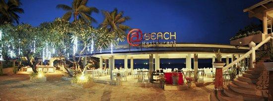 Beyond Resort Karon : @Beach Restaurant