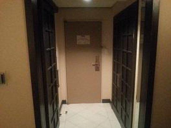 Sheraton Miyako Hotel Tokyo : 玄関部分の作りがプライバシーを考えています