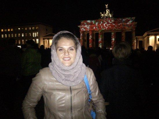 Brandenburg Gate: Розочки=)