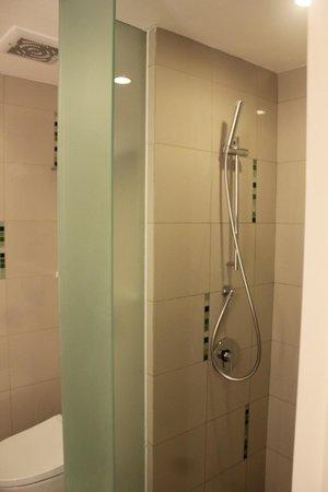The Jimbaran View: bathroom