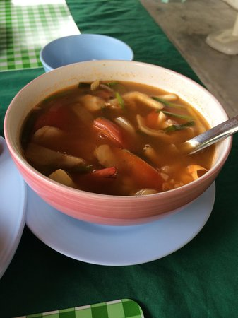 JJ's Bar & Food : Just the right dose of sweet sour and spicy in this Tom yum goong!