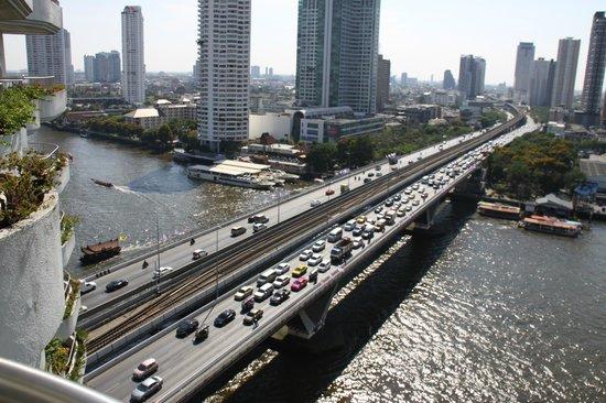 Shangri-La Hotel,Bangkok: Bangkok eine pulsierende Stadt, das Hotel der ideale Rückzugsort