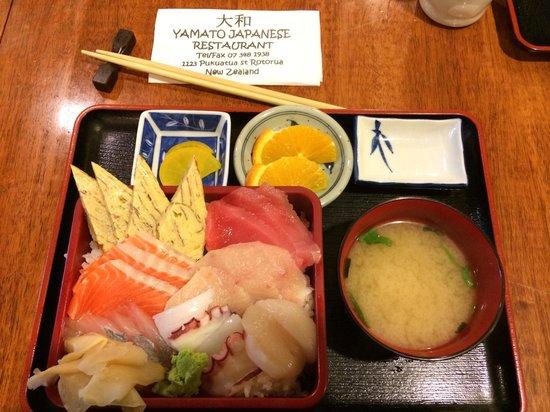 Yamato Japanese Restaurant: Sushi set $22