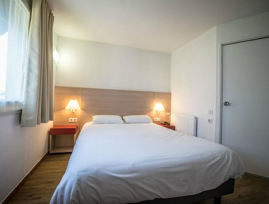 Carline Hotel : chambre PMR privilege