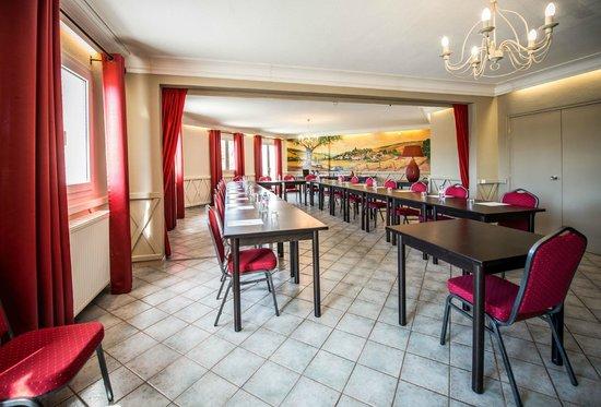Carline Hotel : salon séminaires/banquets