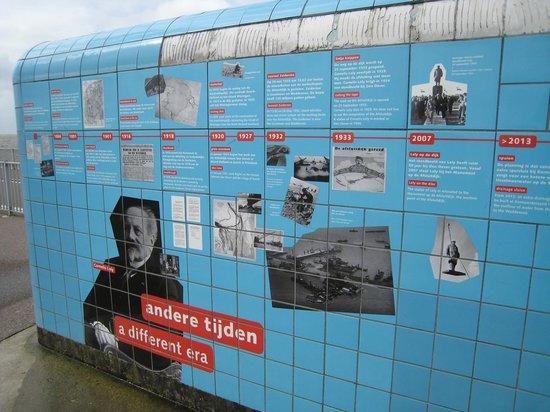 Afsluitdijk - explanation outside