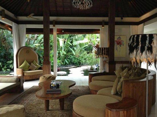Villa Kubu Seminyak: sitting area