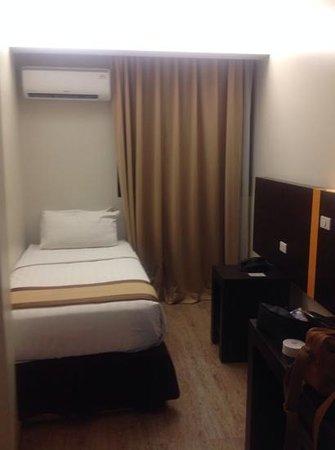 Cuarto Hotel Cebu : single bed room