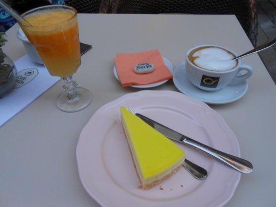Cafe Berlin: breakfast