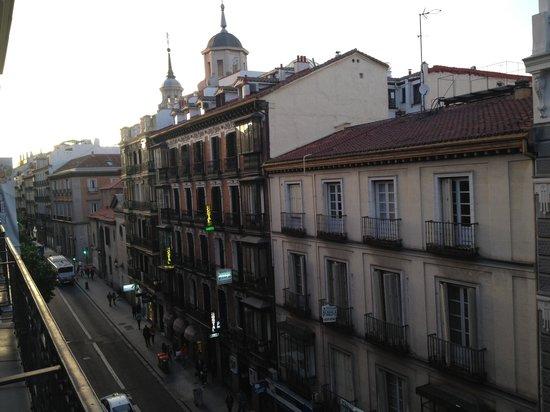 Hotel Catalonia Plaza Mayor: View from our balcony