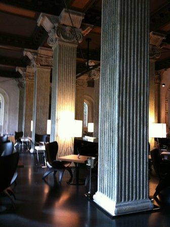 Palazzo Montemartini: Restaurant and Breakfast