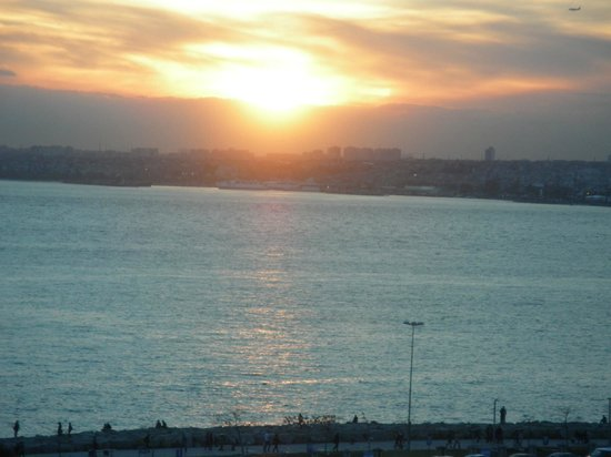 DoubleTree by Hilton Istanbul - Moda: Sunset from the room