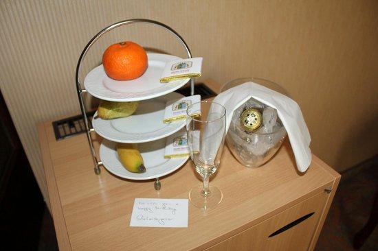 Savoy Hotel Vienna: Так отель поздравил меня с Днем Рождения!