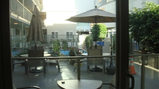Hollywood Orchid Suites: Ground Floor