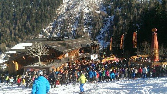 Chalet Tirolerhaus : Small Apres ski bar