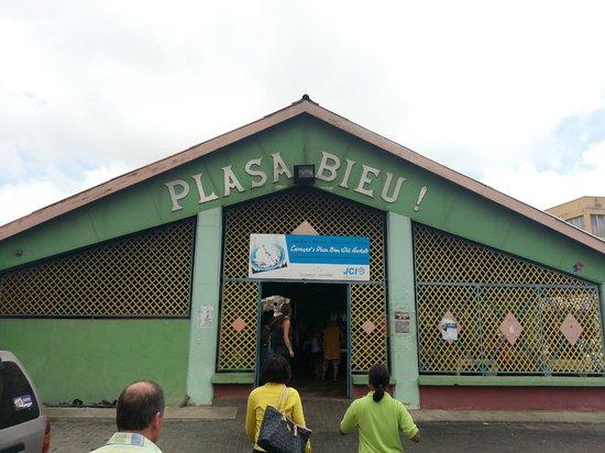 Plaza Bieu: Voorkant Plasa Bieu