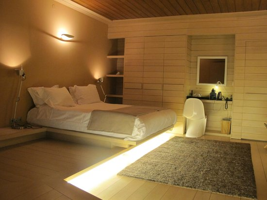 Kipi Suites: Spacius Bed