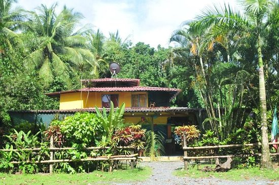 La Pina Lodge B&B: Host house & Restaurant in La Piña
