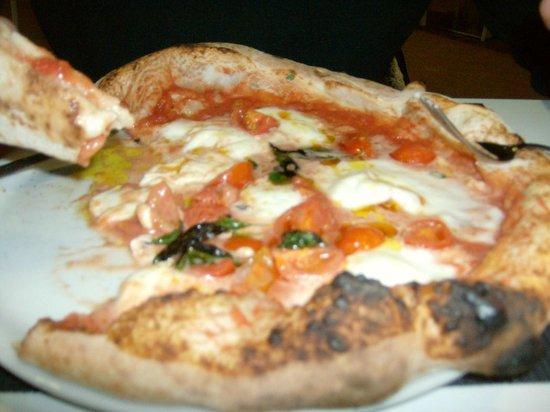 100% Pizza: pizza stile napoletano