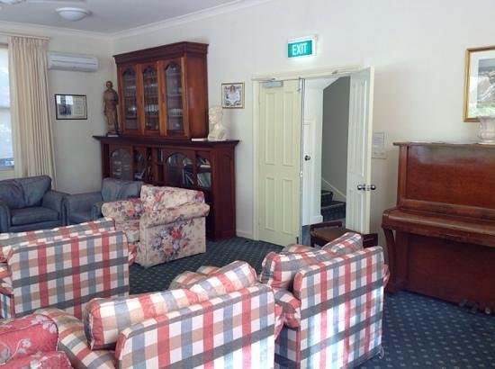 Anderledy Lodge : Veronica Champion room on ground floor - relax with a free cup of tea